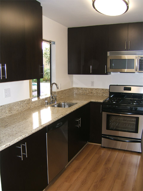 image 6 unfurnished 3 bedroom Apartment for rent in West Los Angeles, West Los Angeles