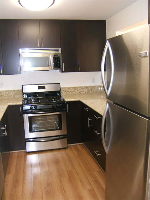image 7 unfurnished 3 bedroom Apartment for rent in West Los Angeles, West Los Angeles