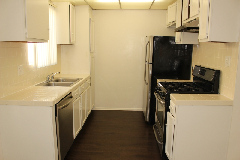 1 Bedroom Apartment For Rent 11676 Chenault Street Brentwood